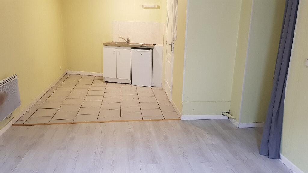 Appartement à louer 1 21.91m2 à Tourcoing vignette-3