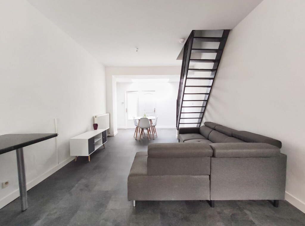 Maison à louer 5 83.29m2 à Tourcoing vignette-4