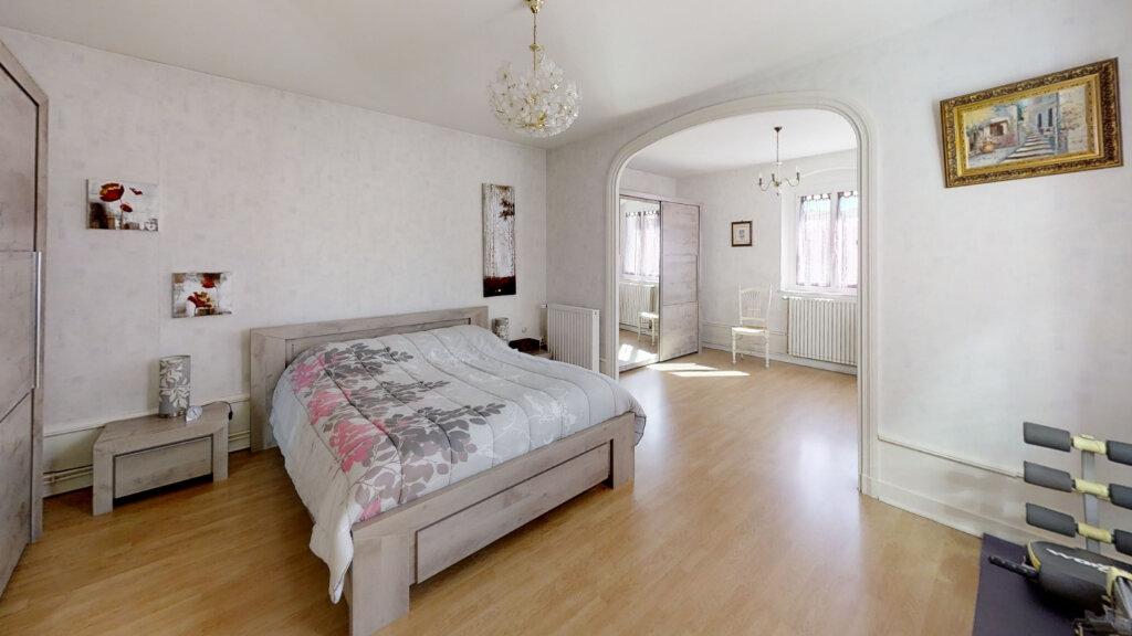 Maison à vendre 8 230m2 à Roanne vignette-6