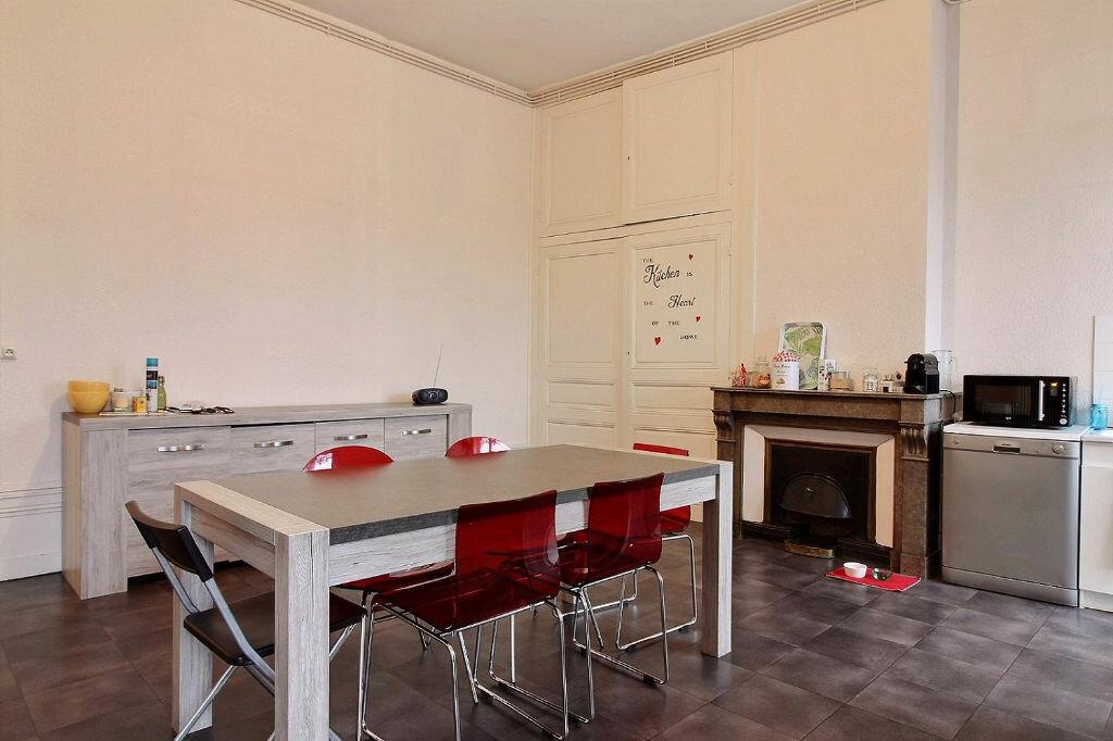 Appartement à louer 6 216m2 à Roanne vignette-3