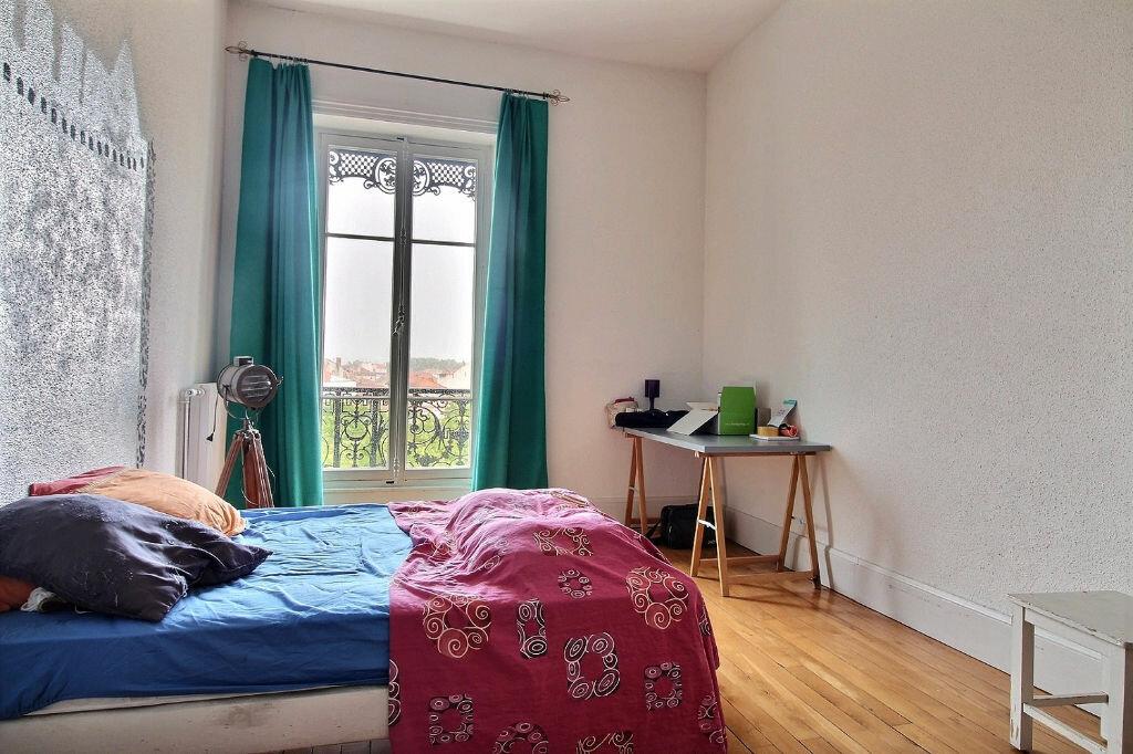 Appartement à louer 6 216m2 à Roanne vignette-6
