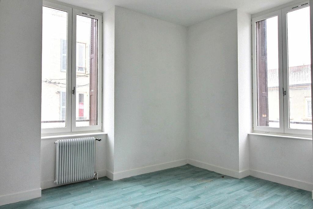 Appartement à louer 5 115m2 à Roanne vignette-6