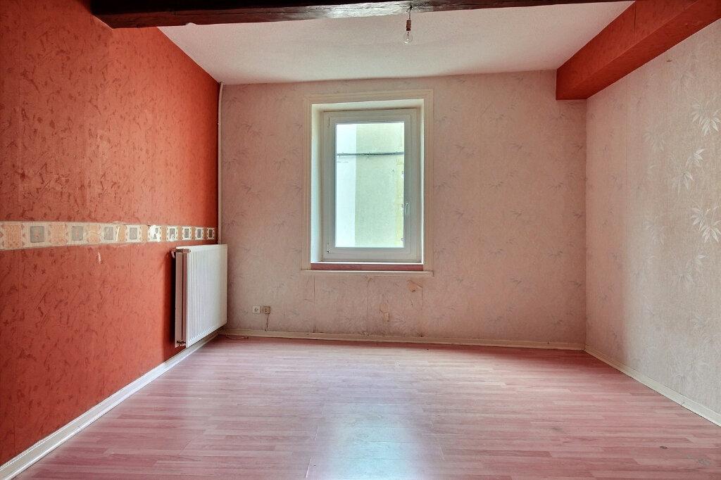 Appartement à louer 5 115.5m2 à Roanne vignette-4