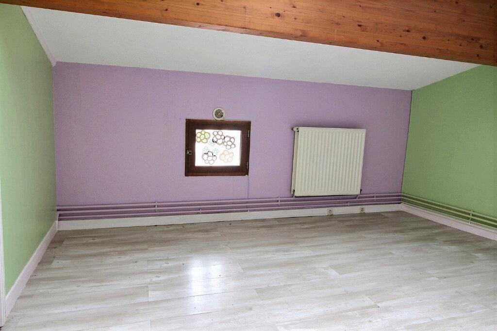 Appartement à louer 5 115.5m2 à Roanne vignette-6
