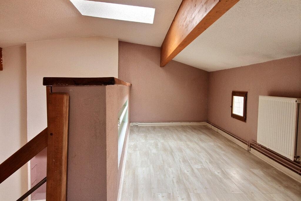 Appartement à louer 5 115.5m2 à Roanne vignette-7