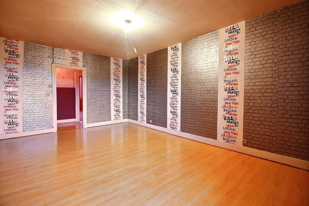Appartement à vendre 3 81m2 à Chauffailles vignette-1