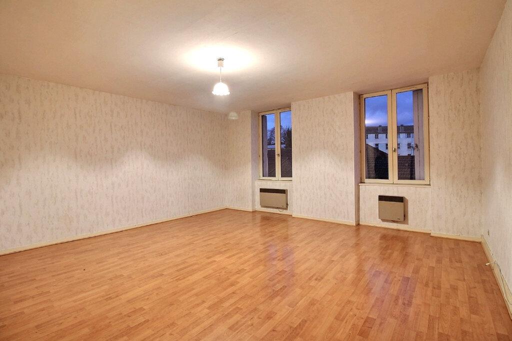 Appartement à vendre 4 102m2 à Chauffailles vignette-4