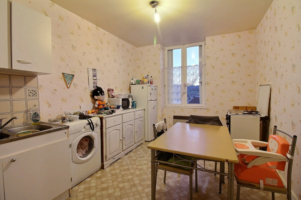 Appartement à vendre 3 82m2 à Chauffailles vignette-1