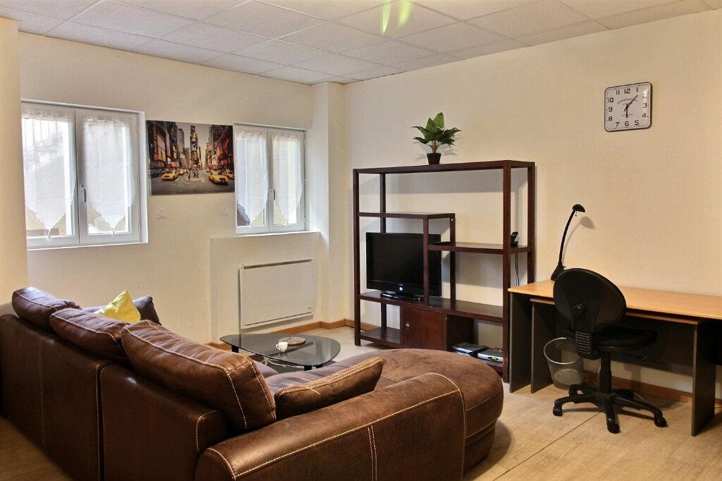 Appartement à louer 1 30m2 à Roanne vignette-2