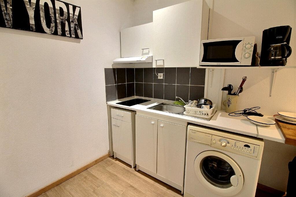 Appartement à louer 1 30m2 à Roanne vignette-5