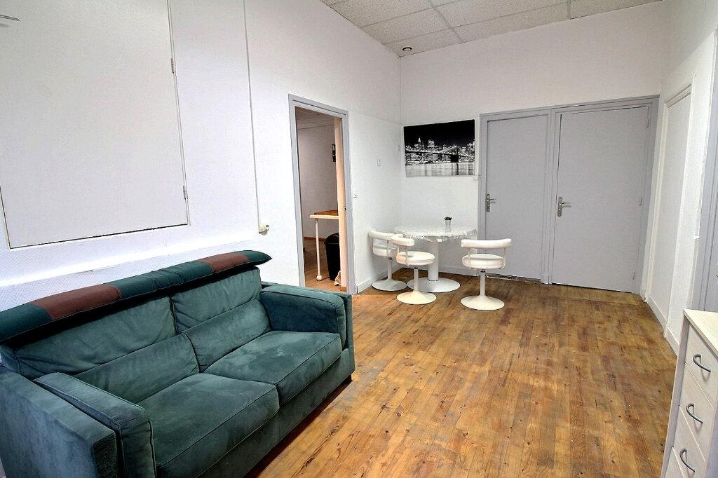 Appartement à louer 1 30m2 à Roanne vignette-6