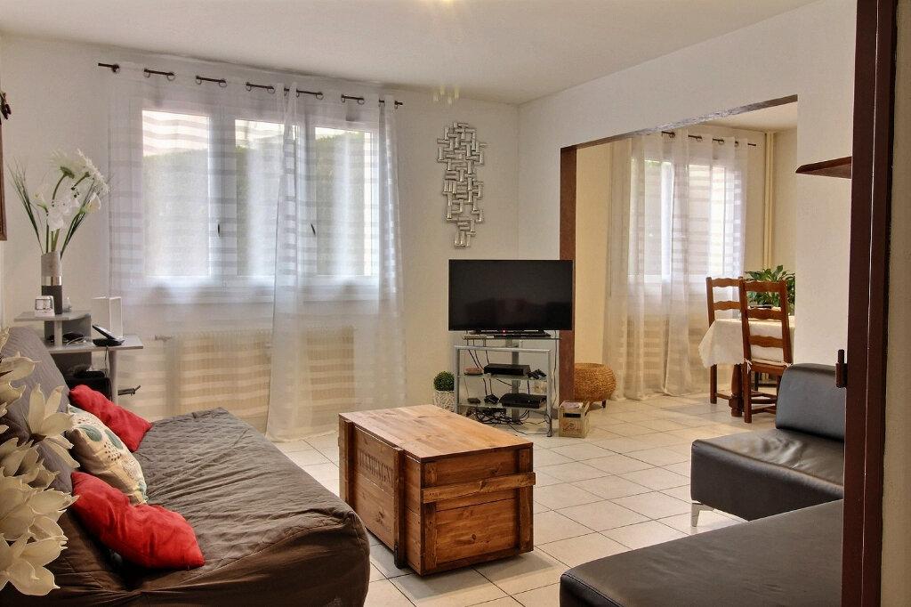 Appartement à vendre 3 64.97m2 à Roanne vignette-1