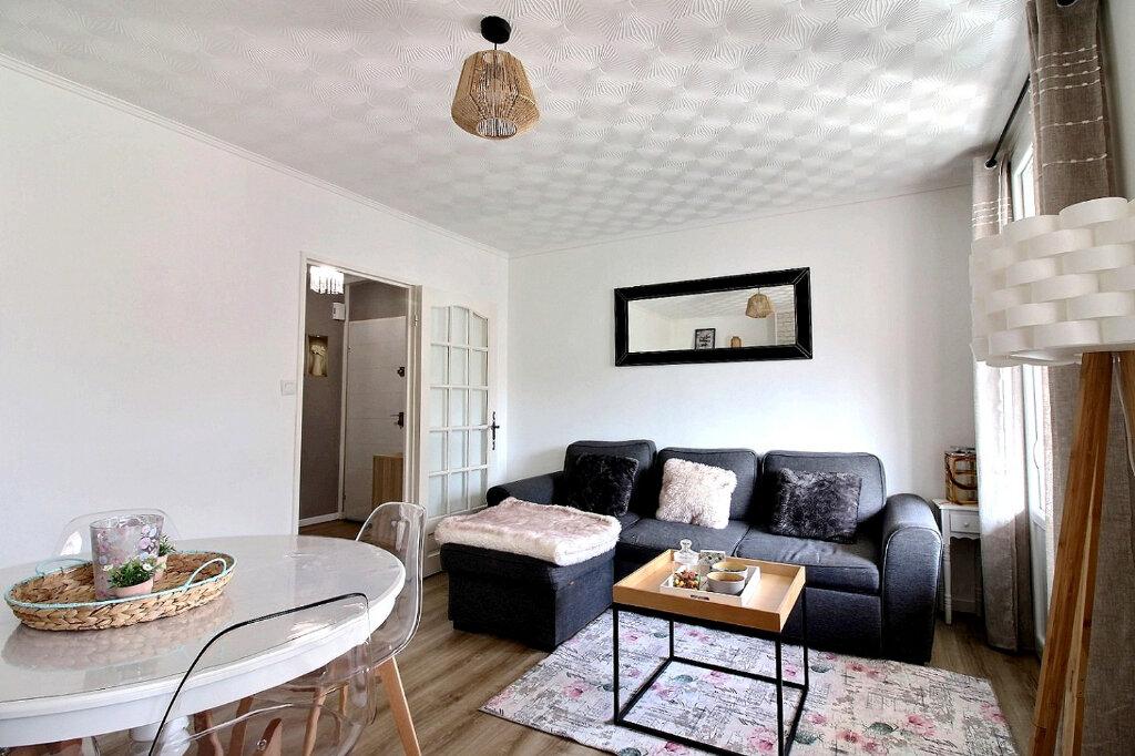 Appartement à vendre 5 84.97m2 à Roanne vignette-2