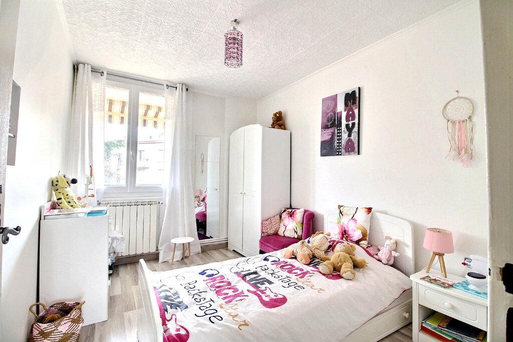 Appartement à vendre 5 84.97m2 à Roanne vignette-4