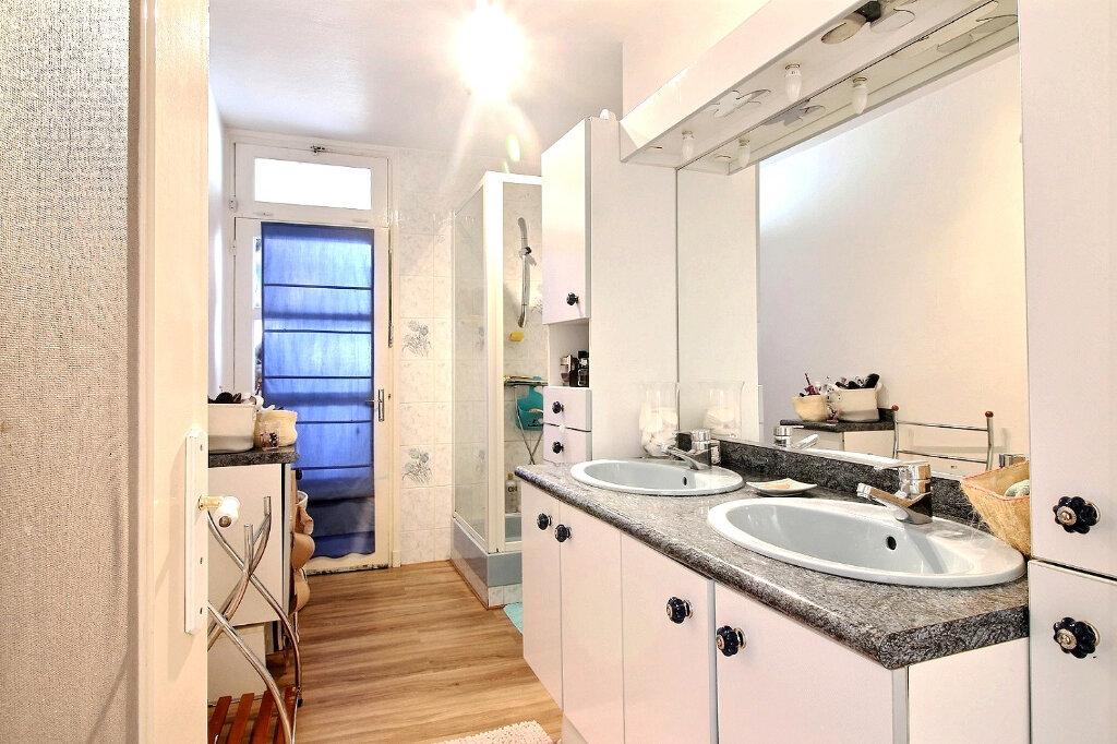 Appartement à vendre 5 84.97m2 à Roanne vignette-6
