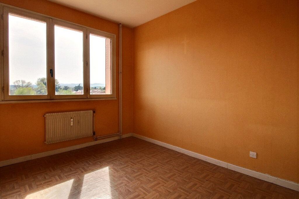 Appartement à louer 3 55m2 à Roanne vignette-5