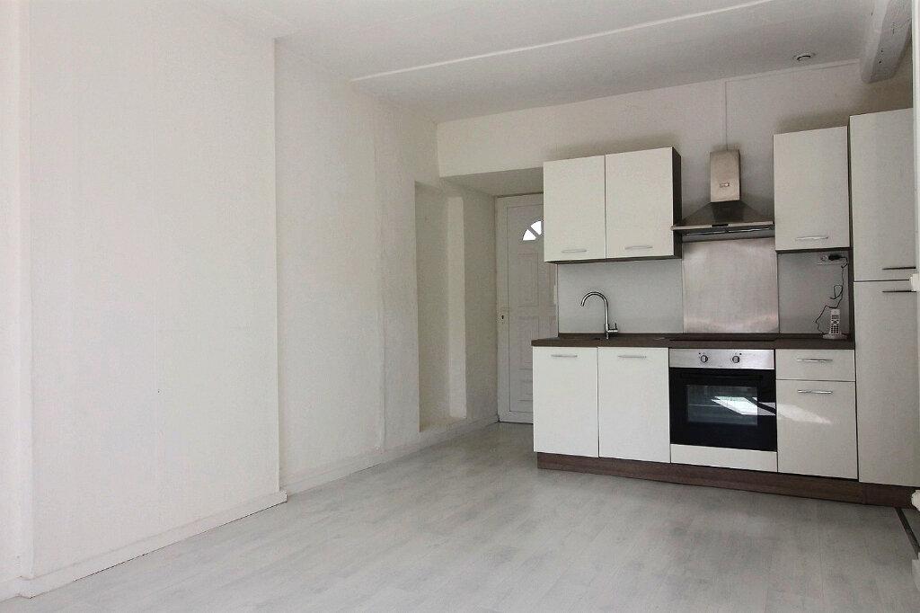 Appartement à louer 3 53.76m2 à Roanne vignette-1