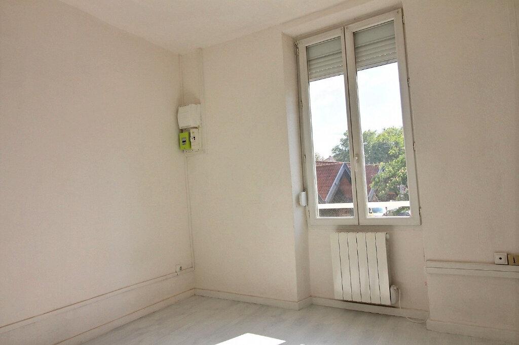 Appartement à louer 3 53.76m2 à Roanne vignette-3