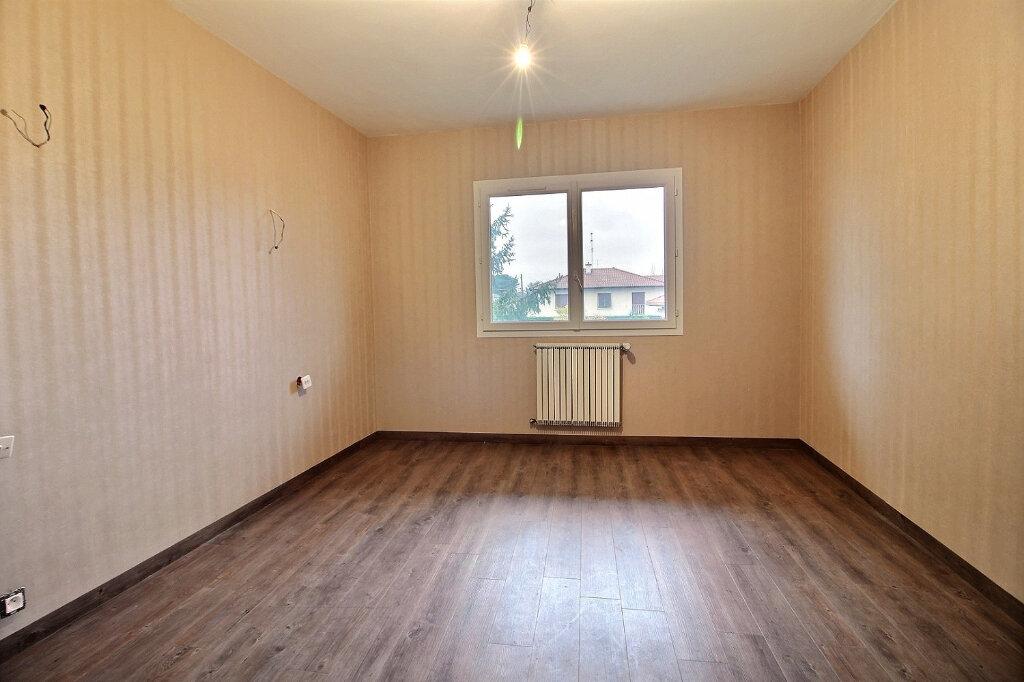 Maison à vendre 5 130m2 à Le Coteau vignette-5
