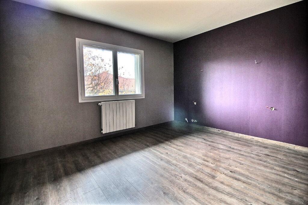 Maison à vendre 5 130m2 à Le Coteau vignette-6
