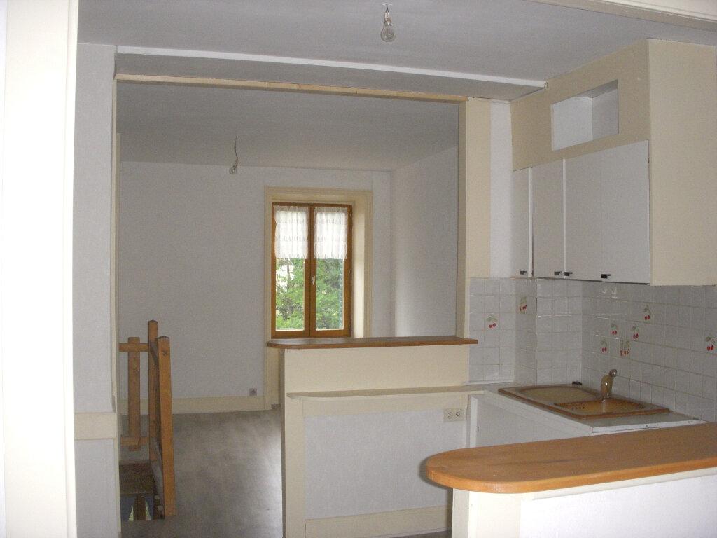 Appartement à louer 3 49m2 à Saint-Alban-les-Eaux vignette-1