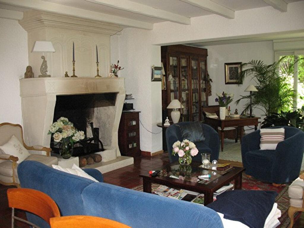 Maison à vendre 6 150m2 à Breuillet vignette-2