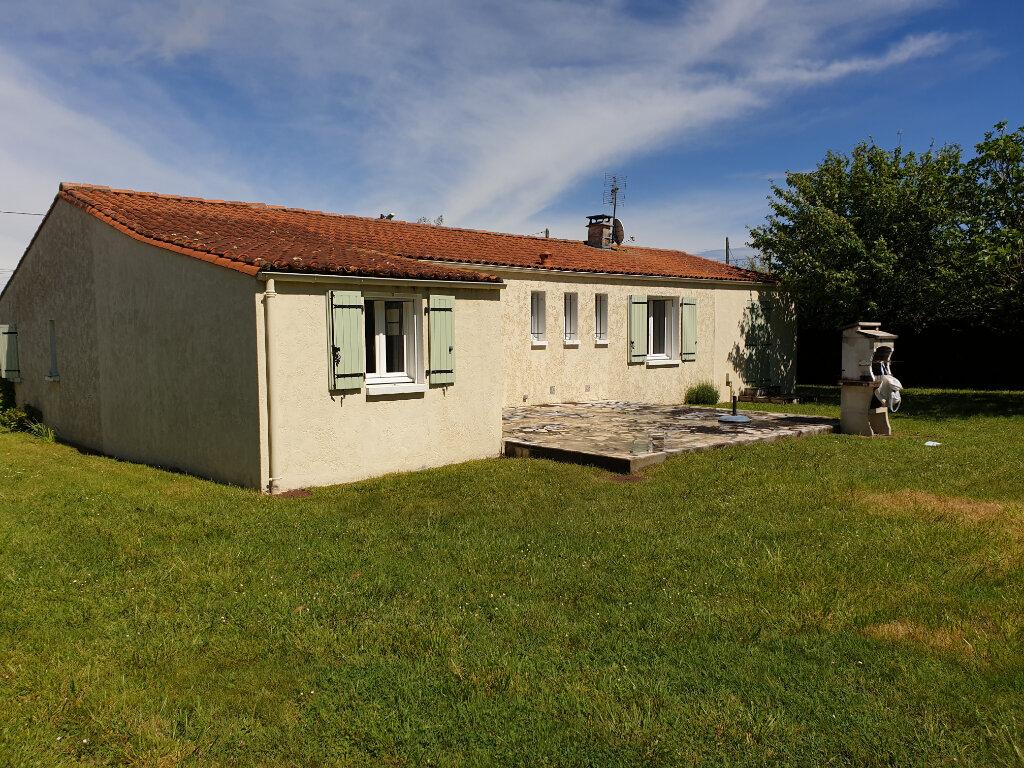 Maison à vendre 6 120m2 à Mornac-sur-Seudre vignette-1