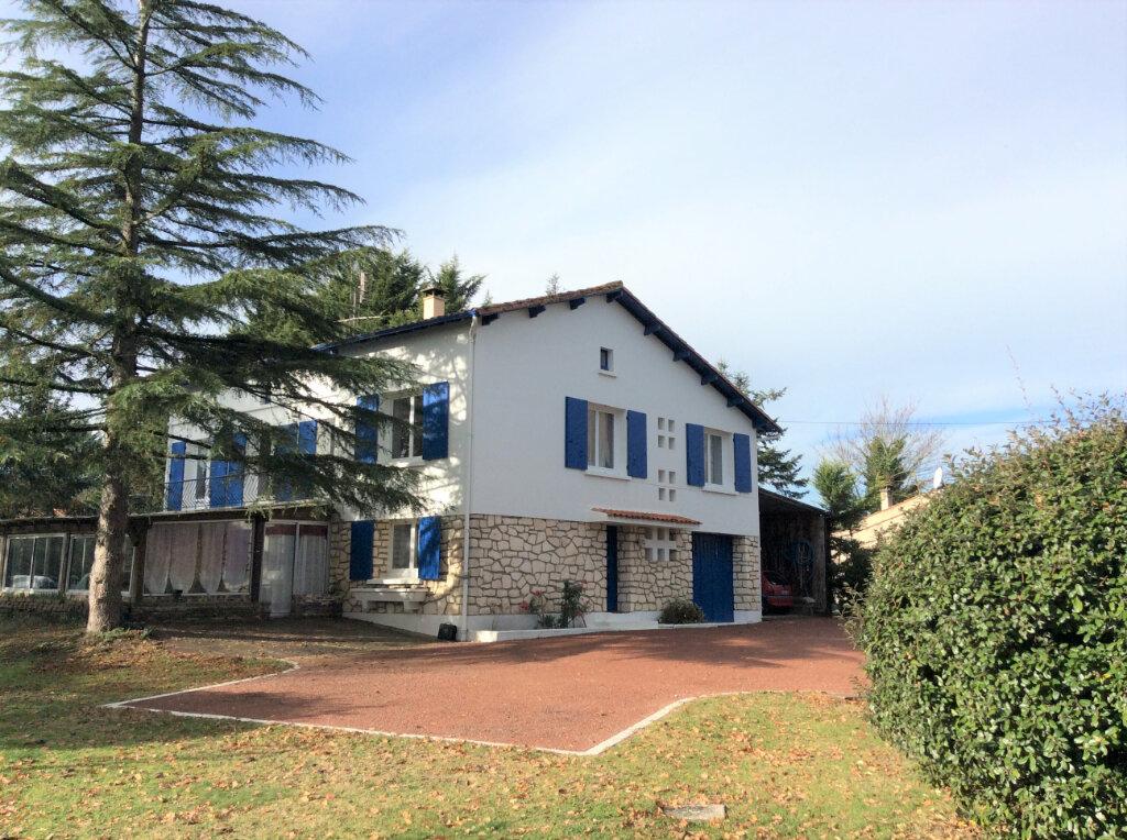 Maison à vendre 9 228m2 à Chaillevette vignette-1