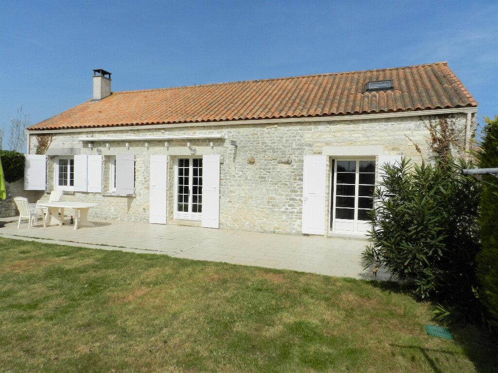 Maison à vendre 5 160m2 à Saint-Pierre-d'Oléron vignette-1