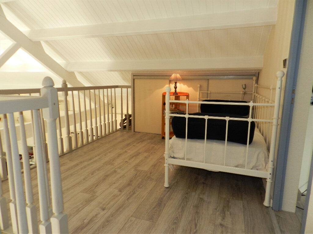 Maison à vendre 5 160m2 à Saint-Pierre-d'Oléron vignette-7
