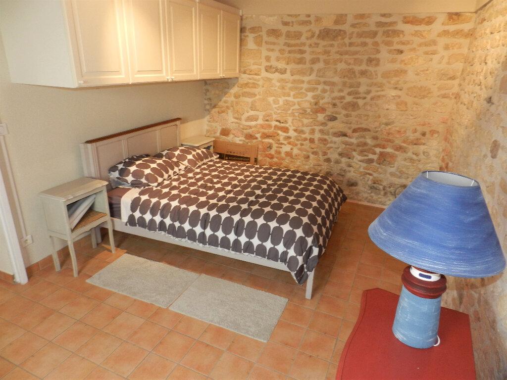 Maison à vendre 5 160m2 à Saint-Pierre-d'Oléron vignette-11