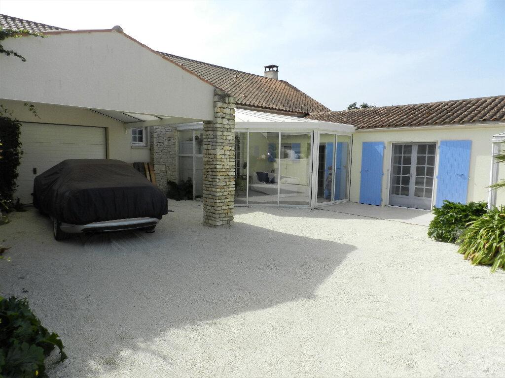 Maison à vendre 5 160m2 à Saint-Pierre-d'Oléron vignette-12