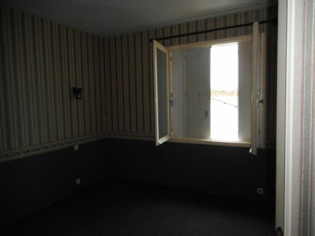 Maison à vendre 6 100m2 à Saint-Georges-d'Oléron vignette-3