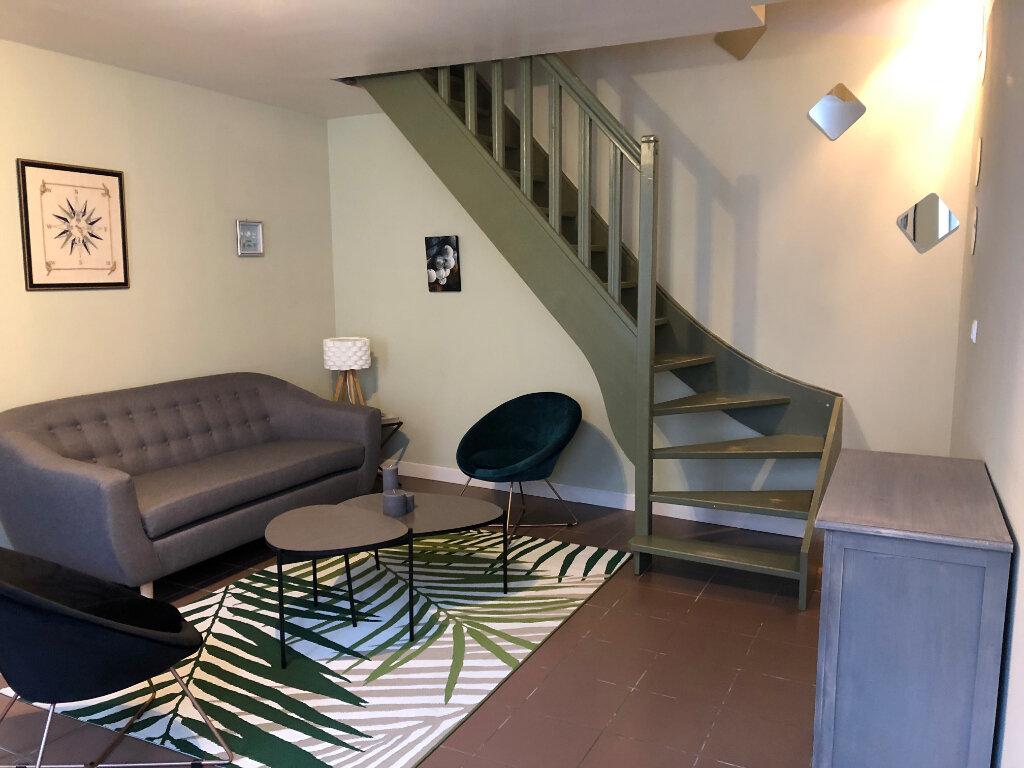 Maison à vendre 4 70m2 à Saint-Pierre-d'Oléron vignette-3