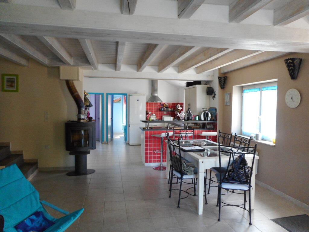 Maison à vendre 5 110m2 à Saint-Pierre-d'Oléron vignette-5