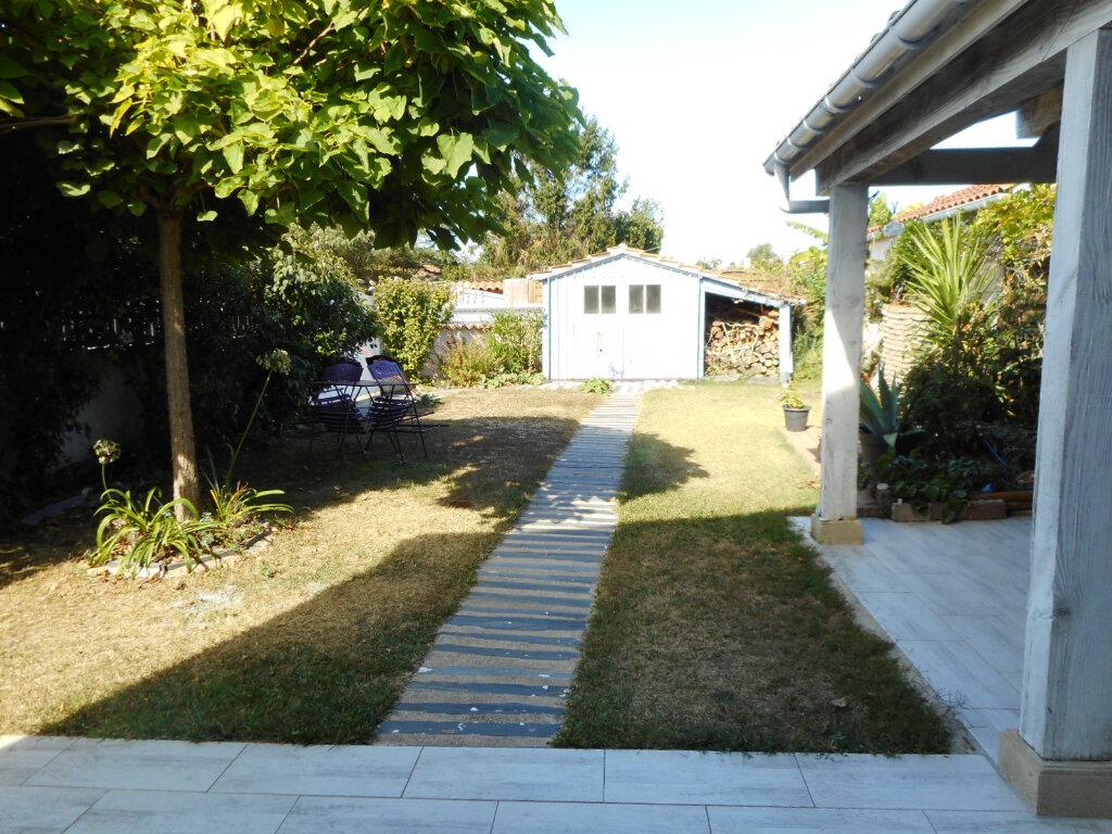 Maison à vendre 5 110m2 à Saint-Pierre-d'Oléron vignette-6