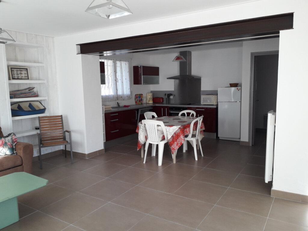 Maison à vendre 3 74m2 à Saint-Georges-d'Oléron vignette-10