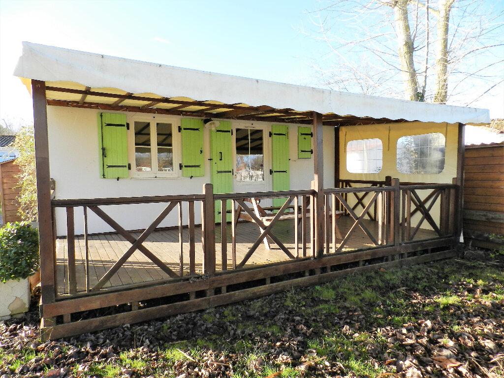 Maison à vendre 3 35m2 à Saint-Pierre-d'Oléron vignette-1