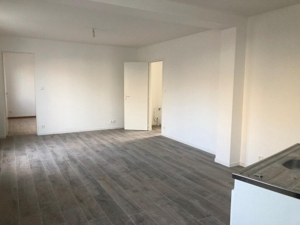 Appartement à vendre 4 68.88m2 à Saint-Pierre-d'Oléron vignette-1