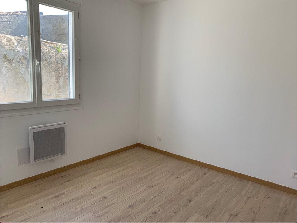 Appartement à vendre 4 68.88m2 à Saint-Pierre-d'Oléron vignette-3