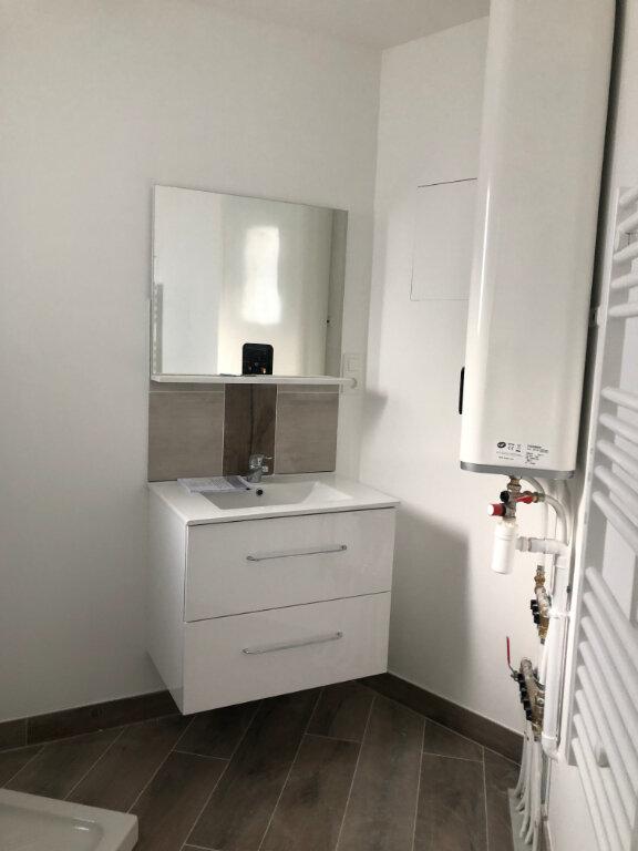 Appartement à vendre 4 68.88m2 à Saint-Pierre-d'Oléron vignette-4