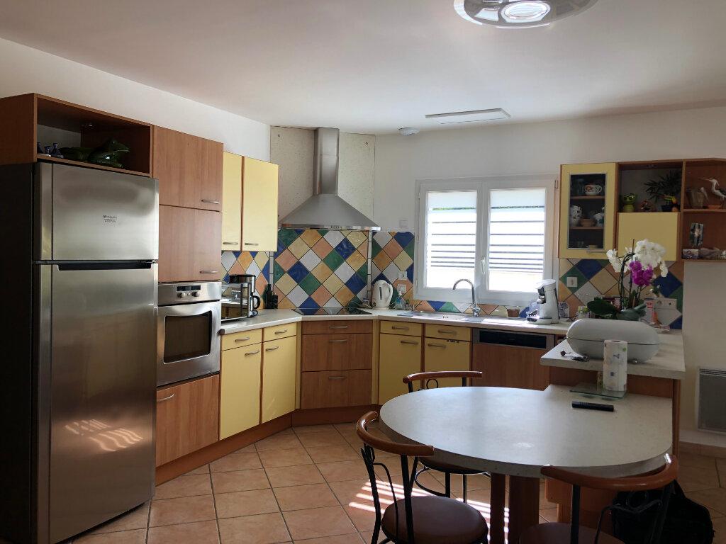 Maison à vendre 5 125m2 à Saint-Pierre-d'Oléron vignette-4