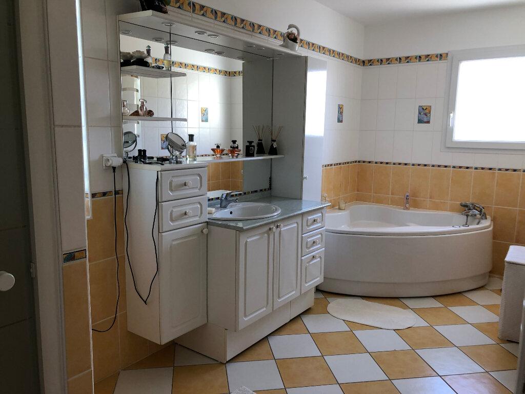 Maison à vendre 5 125m2 à Saint-Pierre-d'Oléron vignette-7
