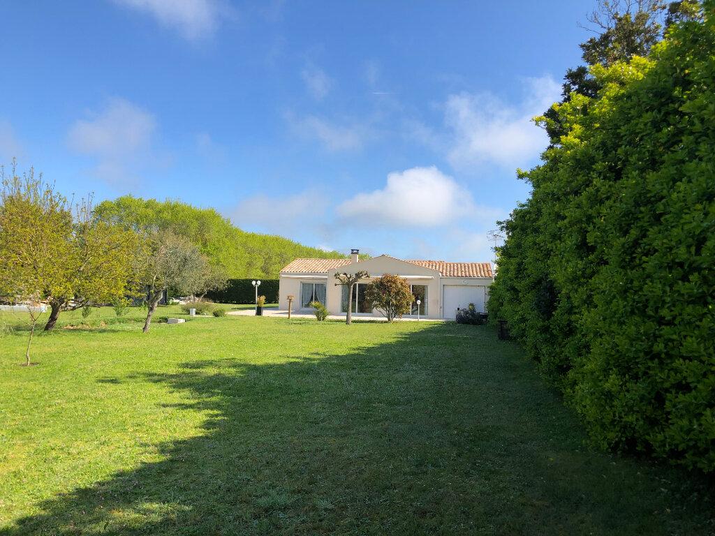 Maison à vendre 5 125m2 à Saint-Pierre-d'Oléron vignette-10