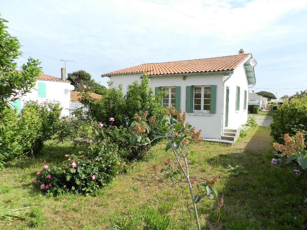 Maison à vendre 6 105m2 à Saint-Pierre-d'Oléron vignette-1