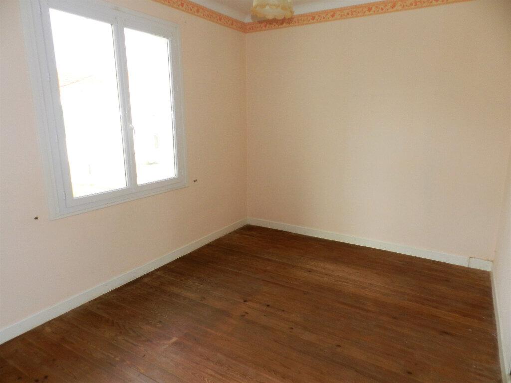 Maison à vendre 6 105m2 à Saint-Pierre-d'Oléron vignette-6