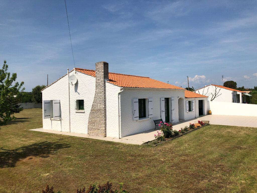 Maison à vendre 5 100m2 à Saint-Pierre-d'Oléron vignette-1
