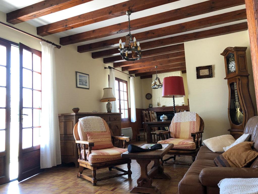 Maison à vendre 5 100m2 à Saint-Pierre-d'Oléron vignette-2