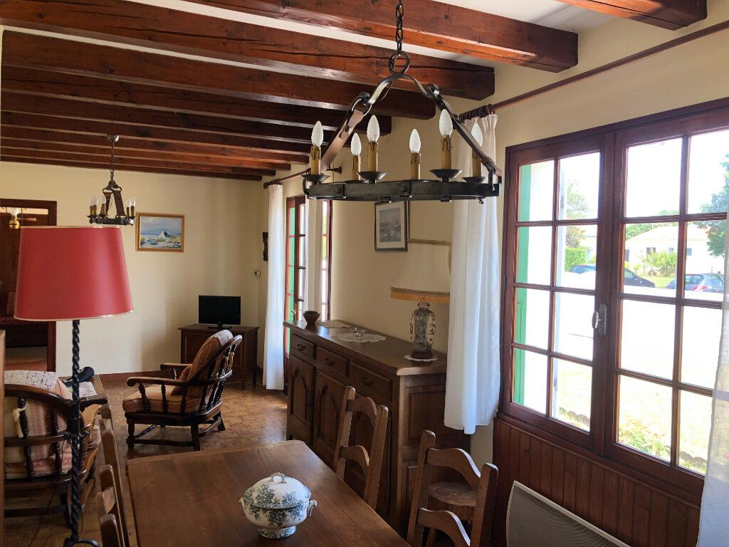 Maison à vendre 5 100m2 à Saint-Pierre-d'Oléron vignette-3