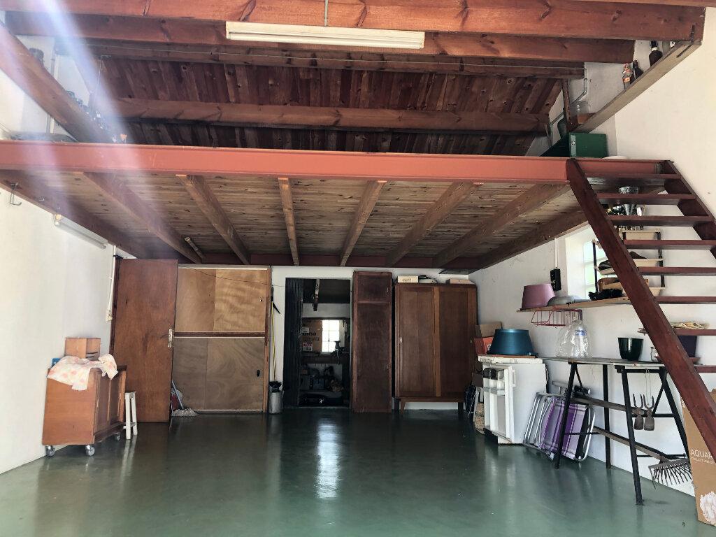 Maison à vendre 5 100m2 à Saint-Pierre-d'Oléron vignette-12